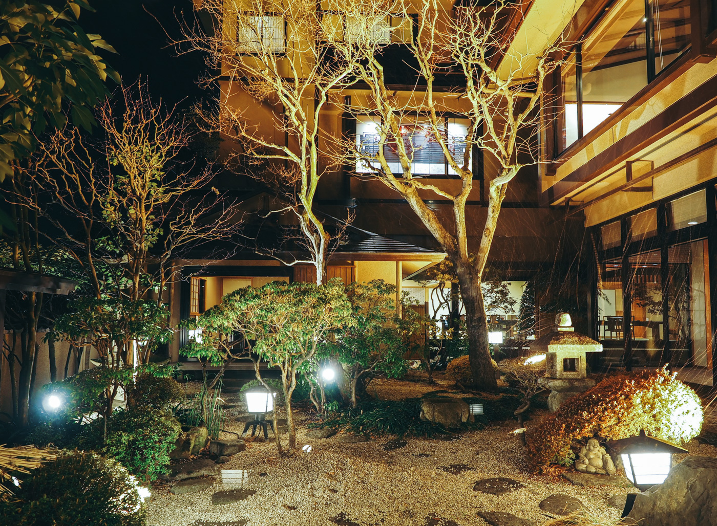 Japan - Mount Fuji - Kozanteiubuya Ubuya Hotel garden area
