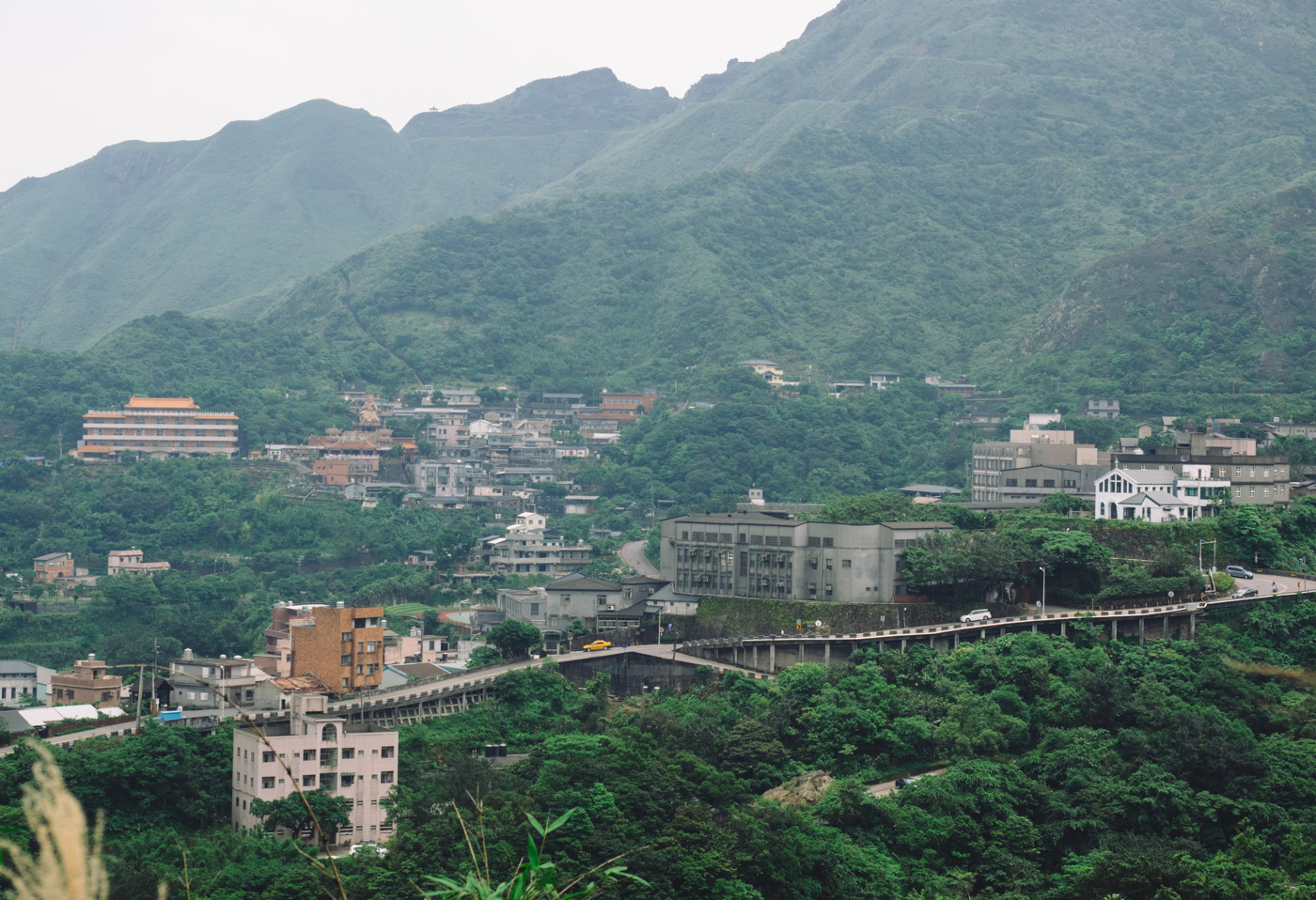 Taiwan - New Taipei City - Houses along the mountains