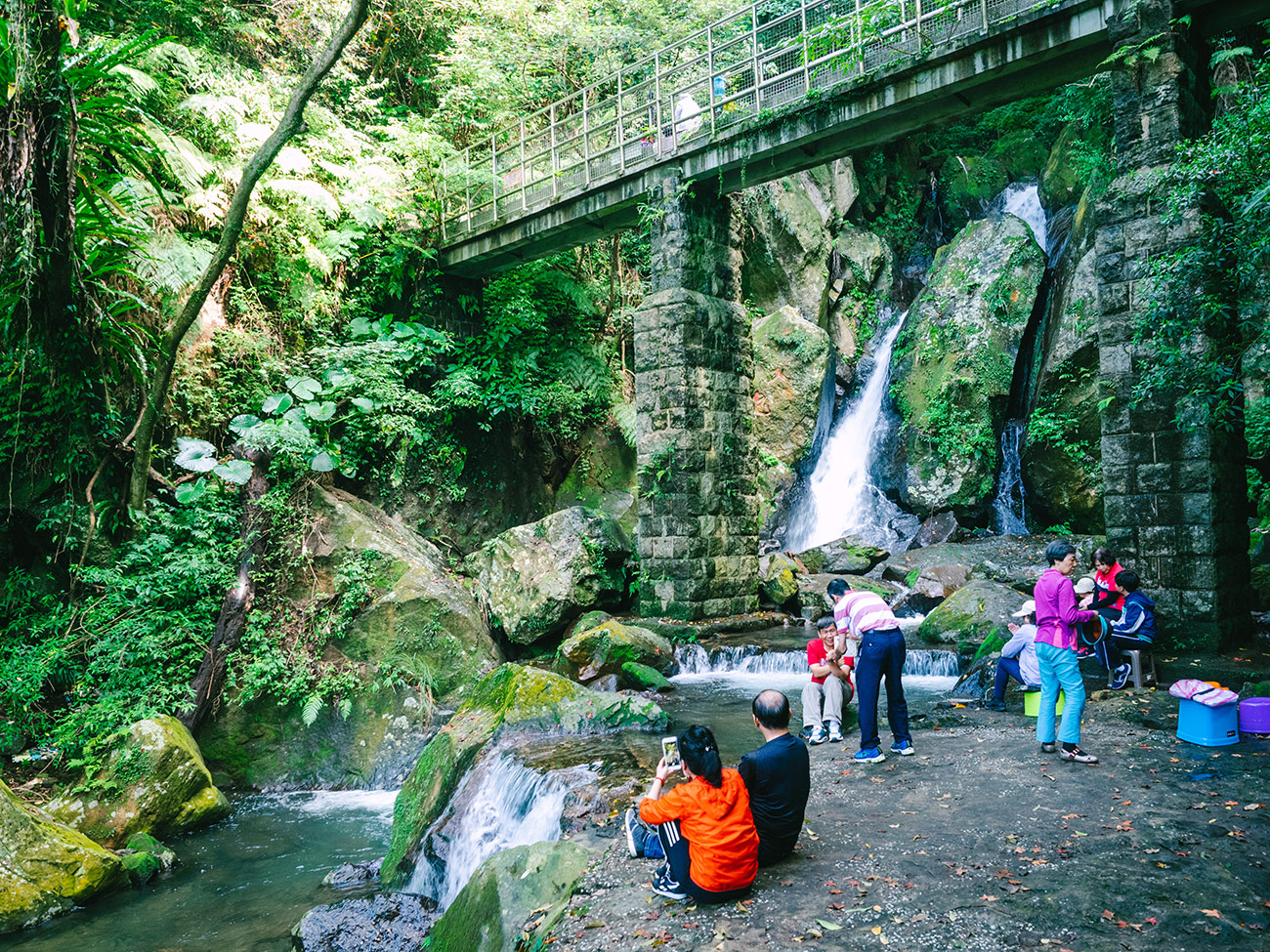 Yangmingshan - Enjoying the waterfall
