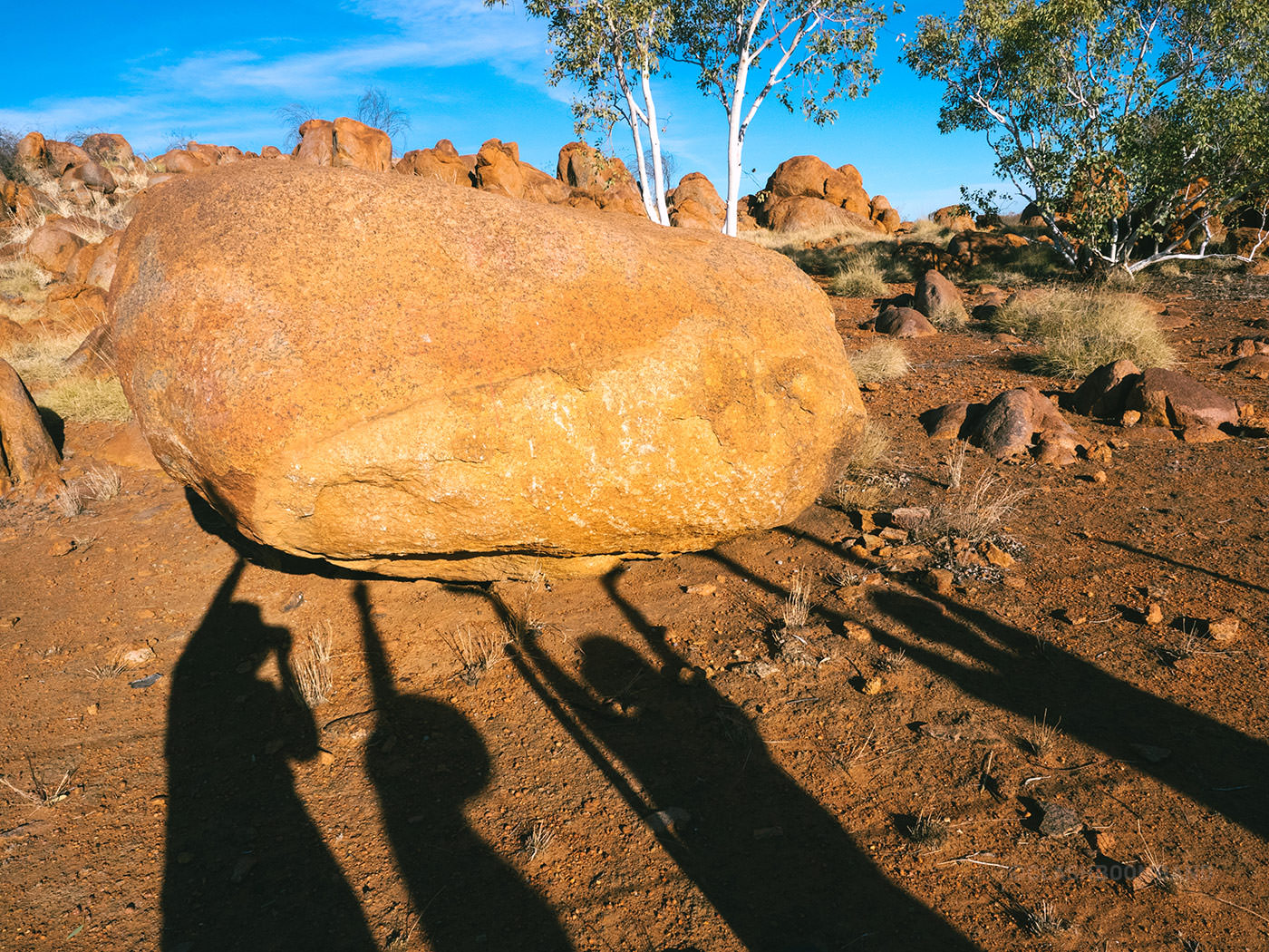 NT Australia - The Pebbles - shadow